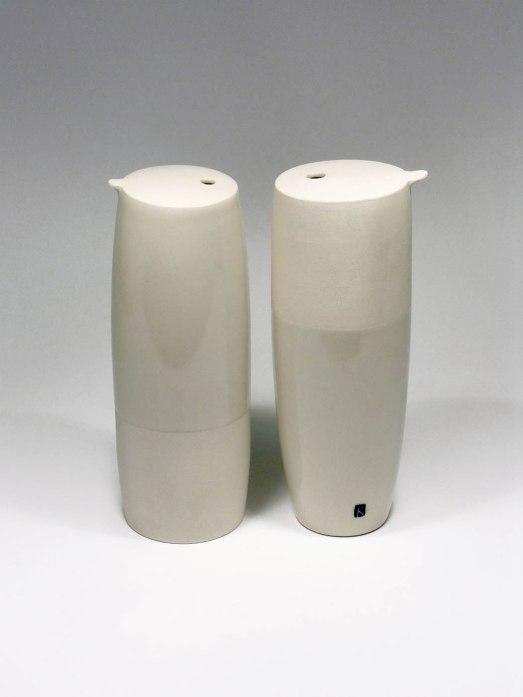 20 x 9 x 20 cm, stone ware, clear glaze, gas firing, 2014