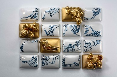 2010. Porcelain, cobalt underglaze, glaze, gold luster. 56 x 47 x 14 cm. Slip-cast and hand painted / slip-cast and assembled, 1250°C reduction, luster 700°C. Collection of the New Taipei City Yingge Ceramics Museum, Taipei, Taiwan.