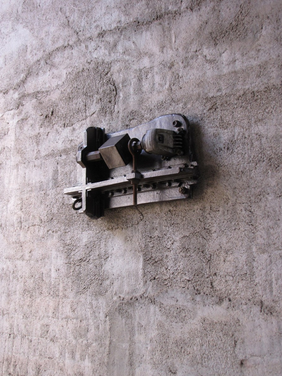 "Tetsuya Tanaka, ""Thinking on the Wall No.31-Sound Kept Secret"""