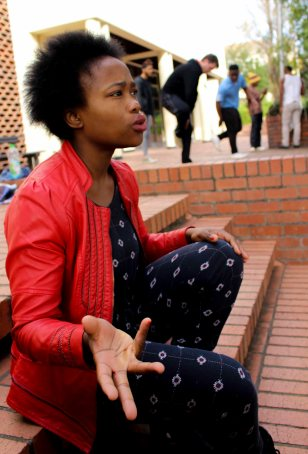 Nomcebisi Moyikwa, the director of the Intlangano project, speaks to Artbeat about the power of dance in social transformation. Sitting outside the Rhodes University Drama department, her words are complimented by the clapping and stamping of the six dancers involved in the project.