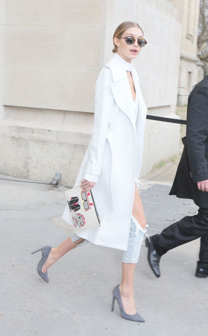 gigi-hadid-street-fashion-at-her-hotel-in-paris-1-26-2016-3