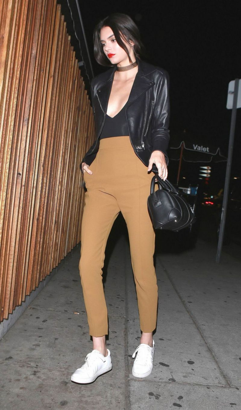 kendall-jenner-night-out-style-arriving-at-nice-guy-in-west-hollywood-january-2016-4
