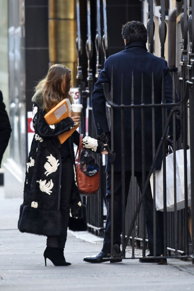 mary-kate-olsen-out-in-new-york-city-january-2016-4