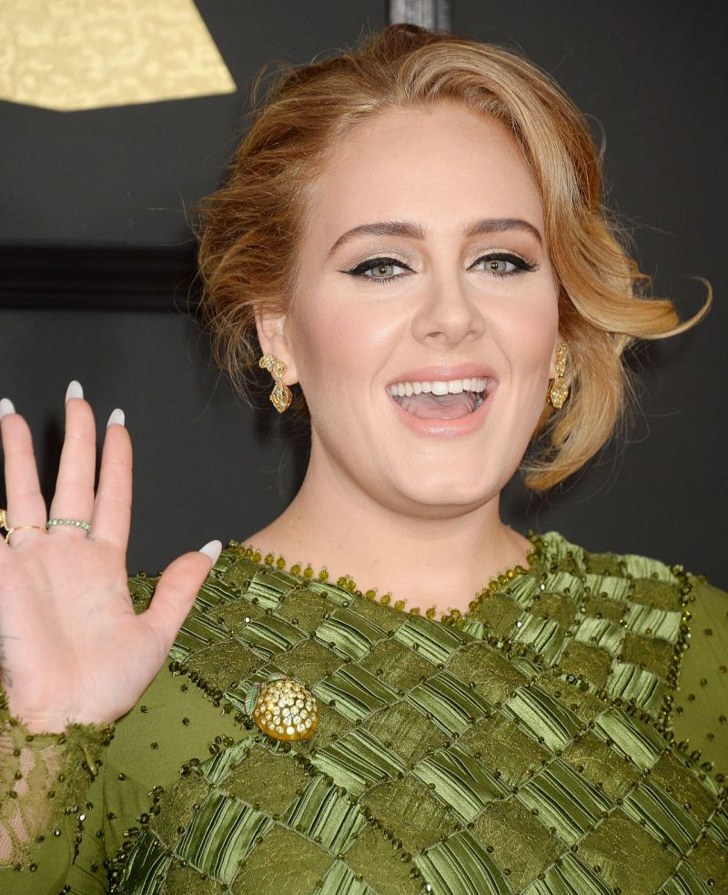 adele-at-grammy-awards-in-los-angeles-2-12-2017-2