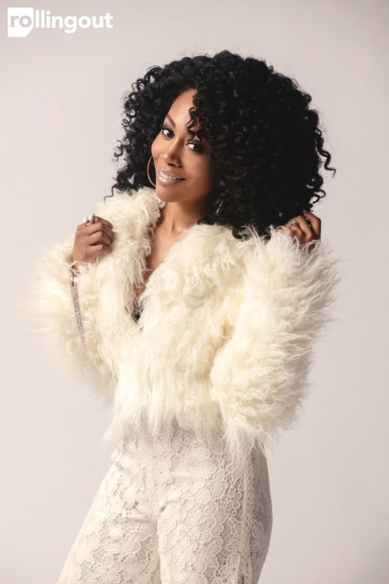 simone-missick-rolling-out-magazine-february-2017-photos-6