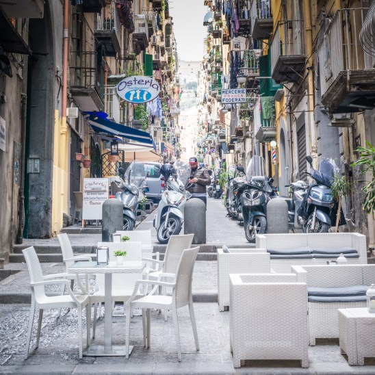 Have a coffee in Toledo street, in Naples city center