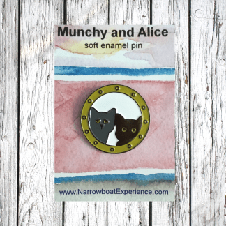 munhcy and alice through the porthole