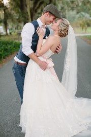 southern-wedding-lace-veil
