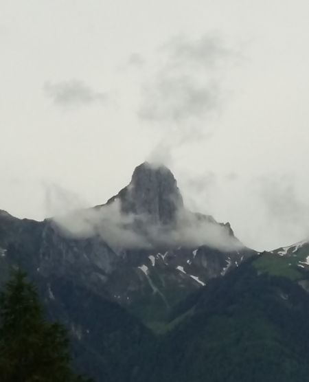 today the Stockhorn reminds me of a volcano... but at least.. most of it is visible now !