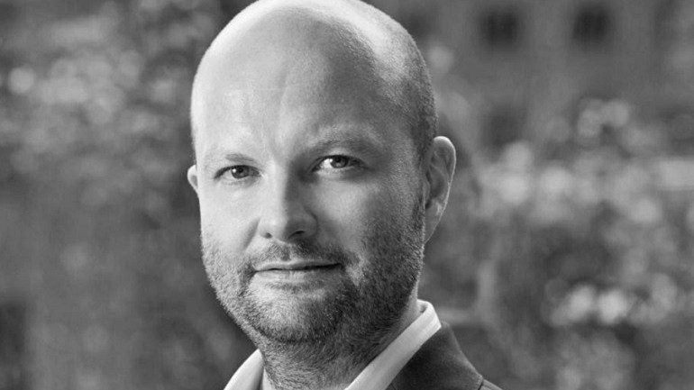 Magnus Renfrew is Bonhams Director of Fine Arts, Asia