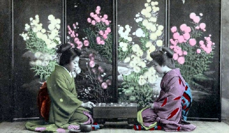 Ohanasan Playing 'Go' Game 1907-1918, one of the images in the New York Public Library collection