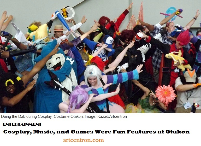 Image: Anime Fans Doing the Dab During Cosplay Costume Parade at Otakon- 770 x 559