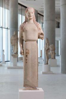 Corè en péplos, 530 BC, Musée de l'Acropole.