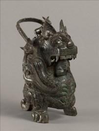 "Vase You, dit ""la tigresse"", fin des Shang, musée Cernuschi (© Stéphane Piera / Musée Cernuschi / Roger-Viollet)"
