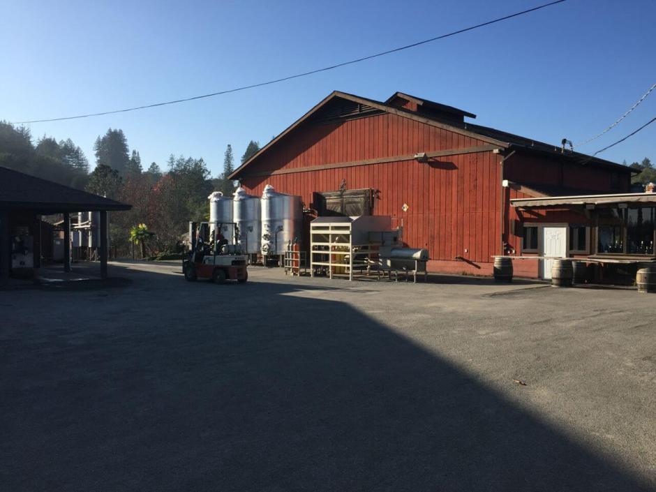 150122 12 California champagne Iron Horse full barn IMG_3442