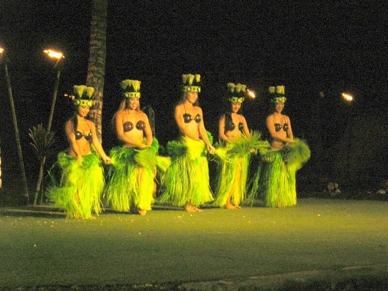 DSCN1764 dancers green adj 800x600 qual9
