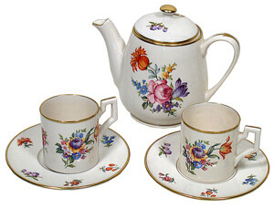 Downsize now: ceramic tea set