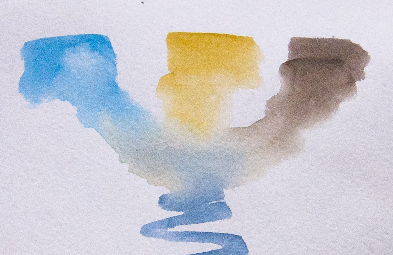 Попередньо змішуємо акварельні фарби, оцінюємо колірні переходи