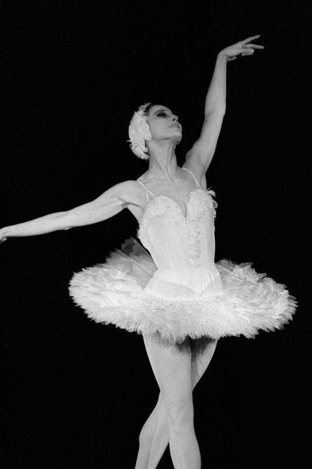 4626488_6_e6b4_la-danseuse-etoile-russe-maia-plissetskaia_ef7ca730d04e26ceda4bcdde882f1fb5