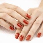 Red Nails Mani