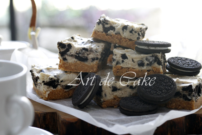 chocolate Oreo Cheesecake slices