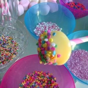 decorating marshmallow pop