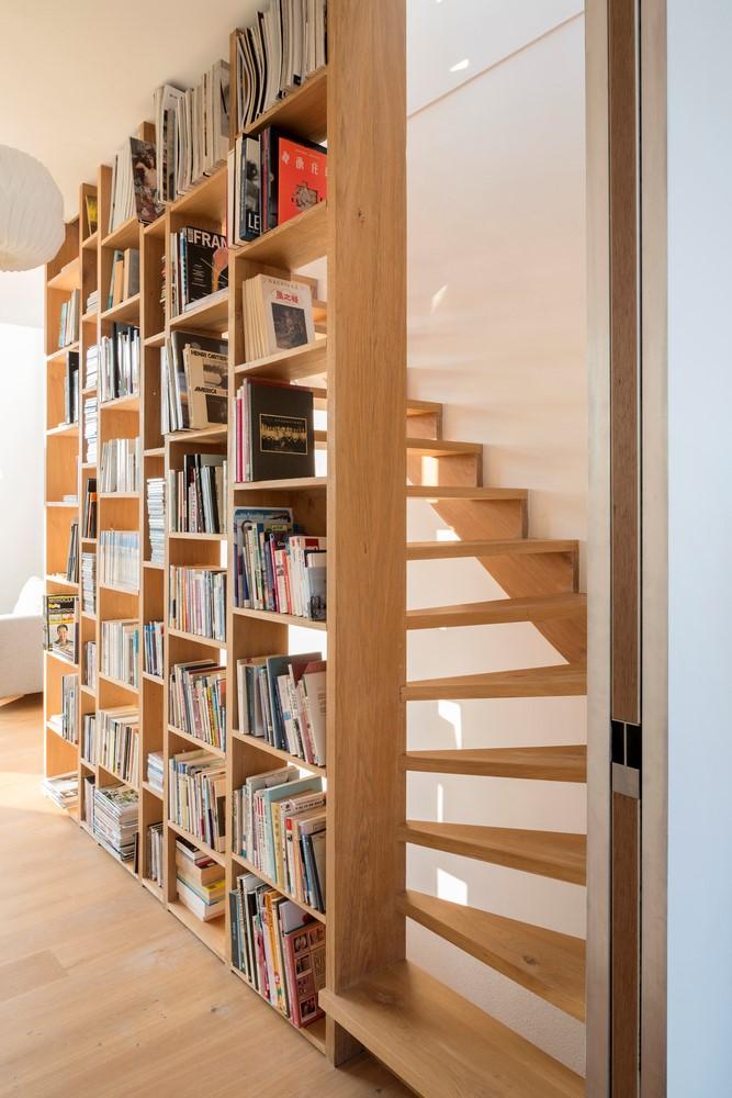 séparation bibliothèque escalier