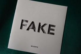 Primer número de la revista FAKE.
