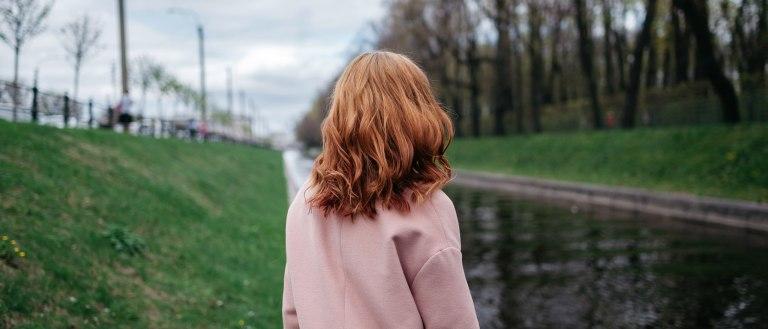 Рыжая девушка в Питере