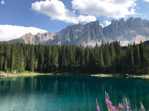 Lago di Carezza e cime del Latemar (Dolomiti)