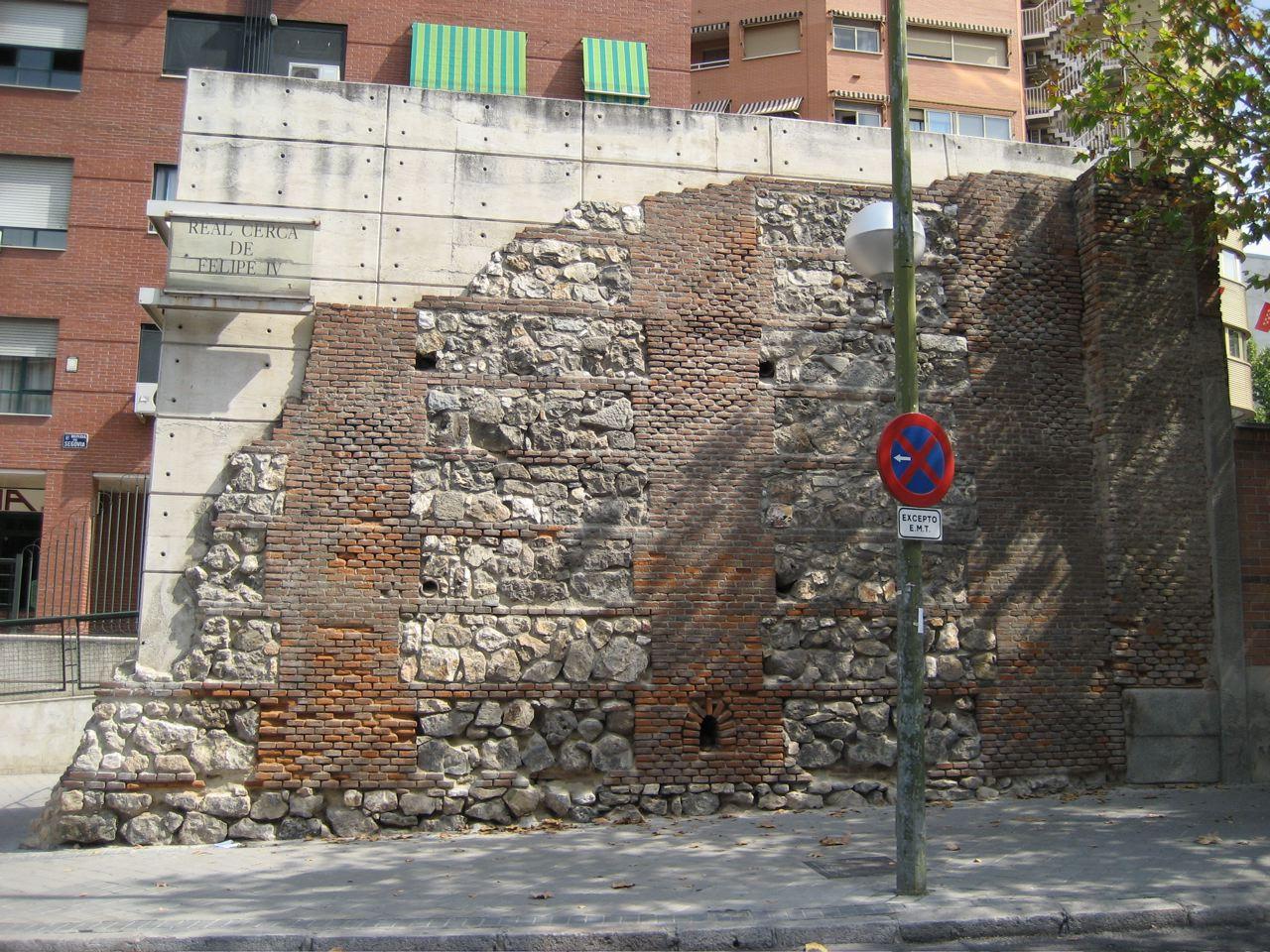 Restos Real Cerca de Felipe IV en la Ronda de Segovia