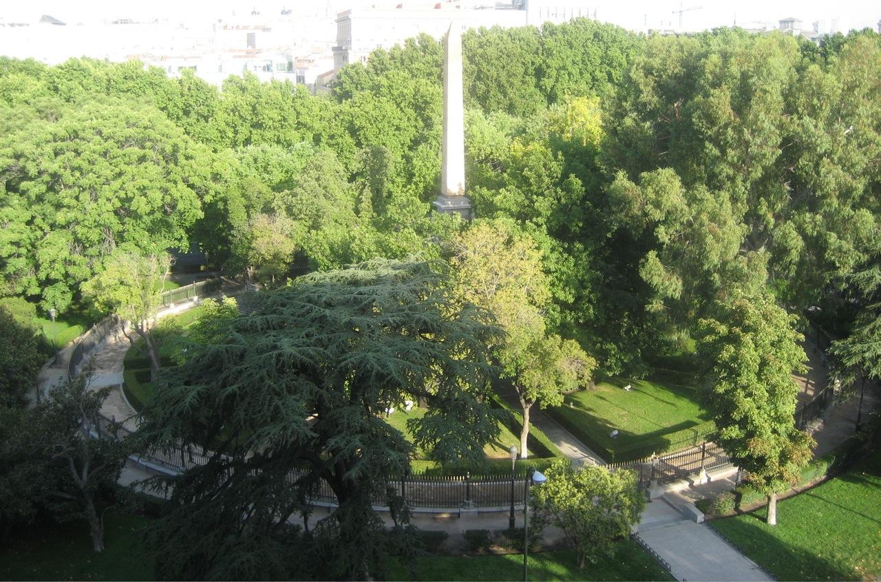 jardin obelisco