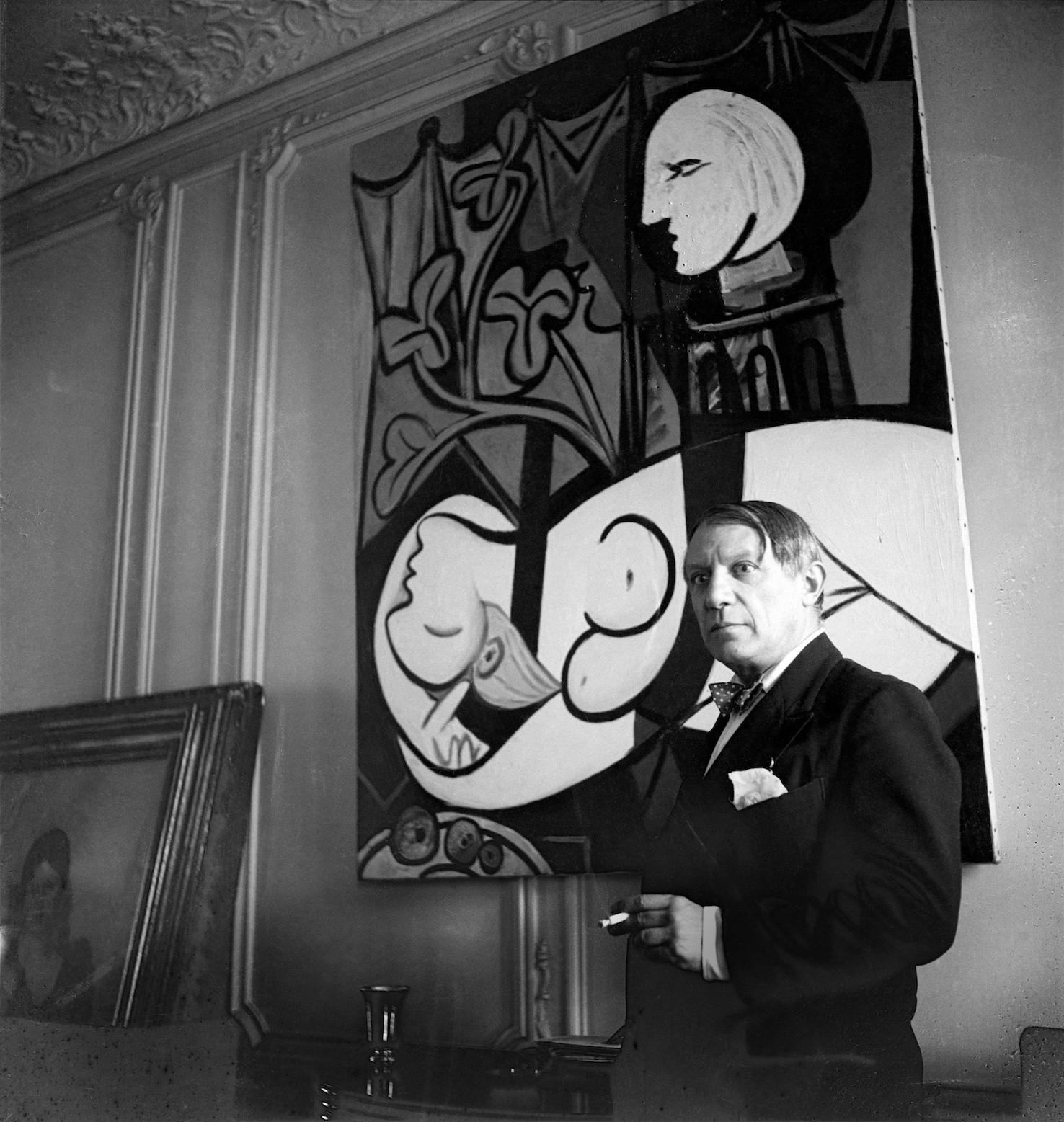 Pablo Picasso, 1932 by Cecil Beaton.jpg