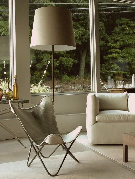 butterfly chair and iron spider floor lamp