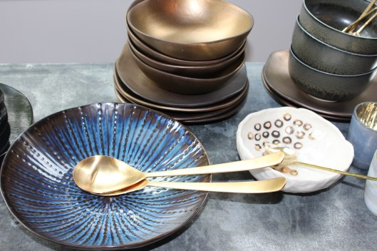 Dining al fresco - blue + bronze
