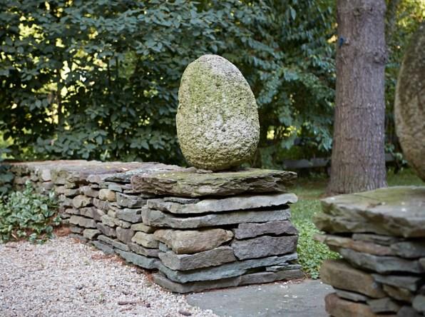 egg-on-stone-wall-pn-artefacthome