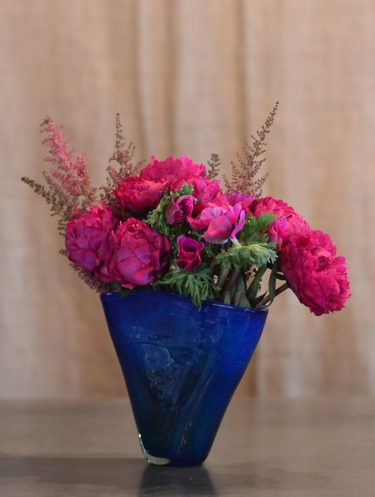 brilliant-peony-blue-vase-4-artefacthome