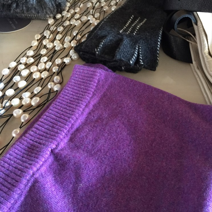 cashmere-pearls-on-leather