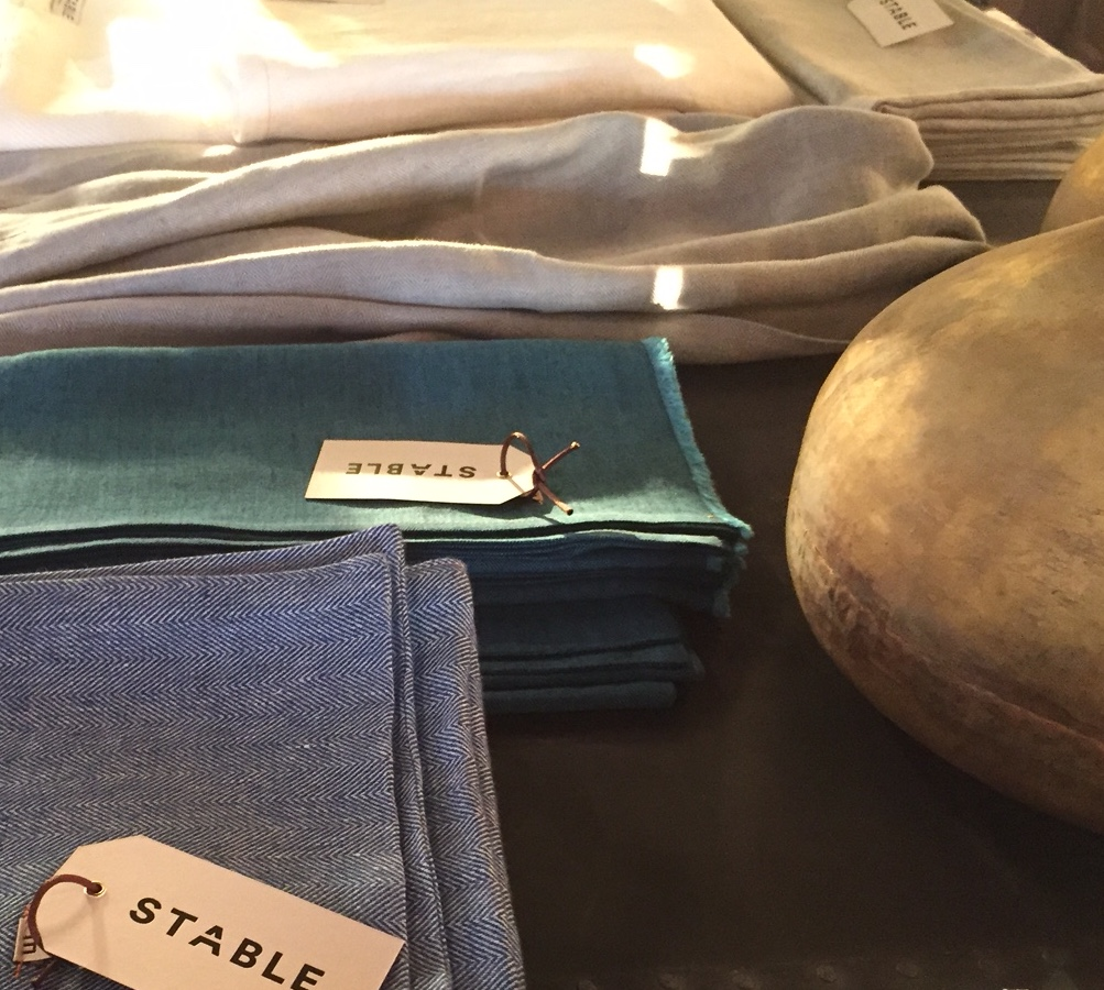 tx-irish linen scarves + throws 1@artefacthome