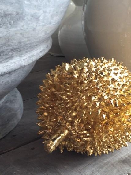 shiny gold-matte lead grey@artefacthome