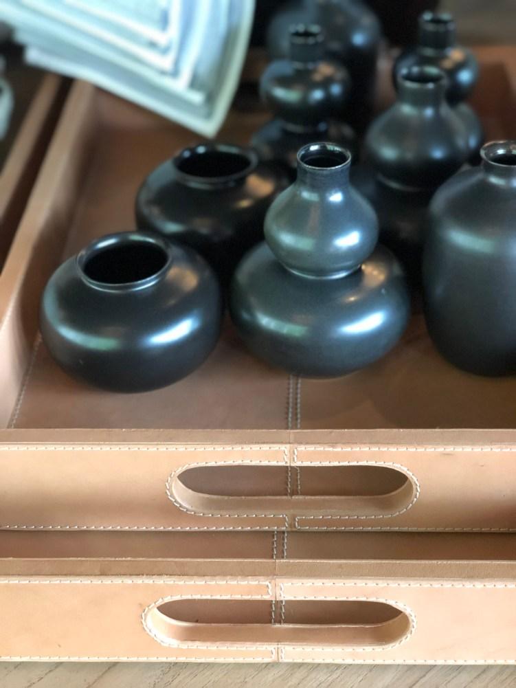 sale table bronze + black + white all over