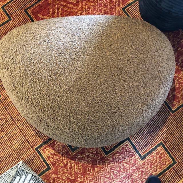 lola-pebble pouf-small-artefact