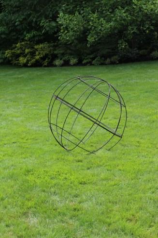 wire balls for lawn + garden