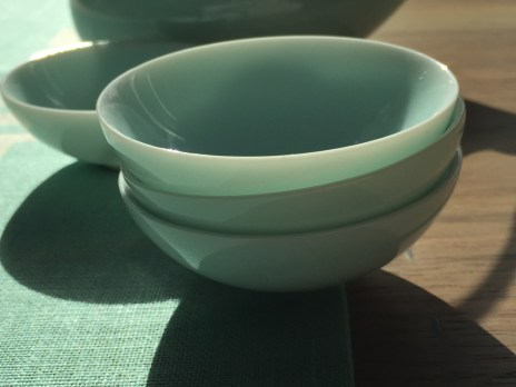 porcelain-tea-set-studioks-runner-1