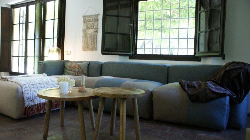 Salón principal proyecto de interiorismo Artefactum Masía ampurdán