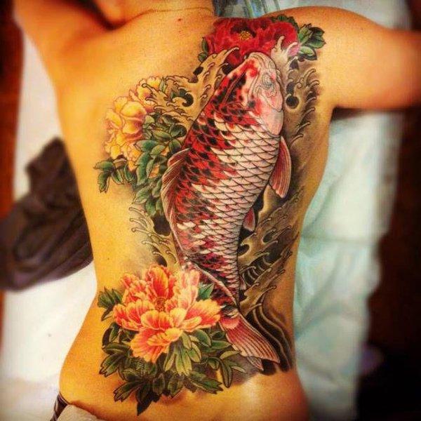 ejemplos tatuajes de peces estilo oriental 4