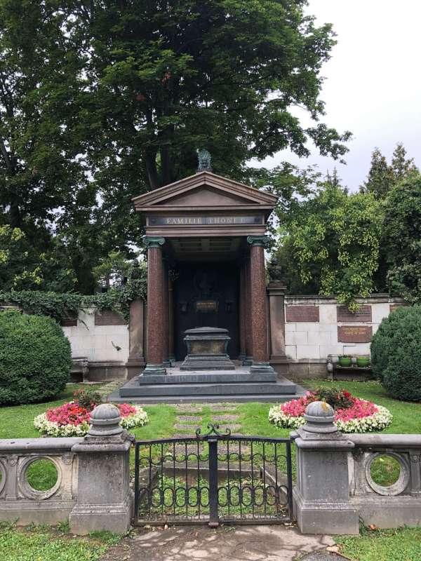 Grab Familie Thonet Zentralfriedhof