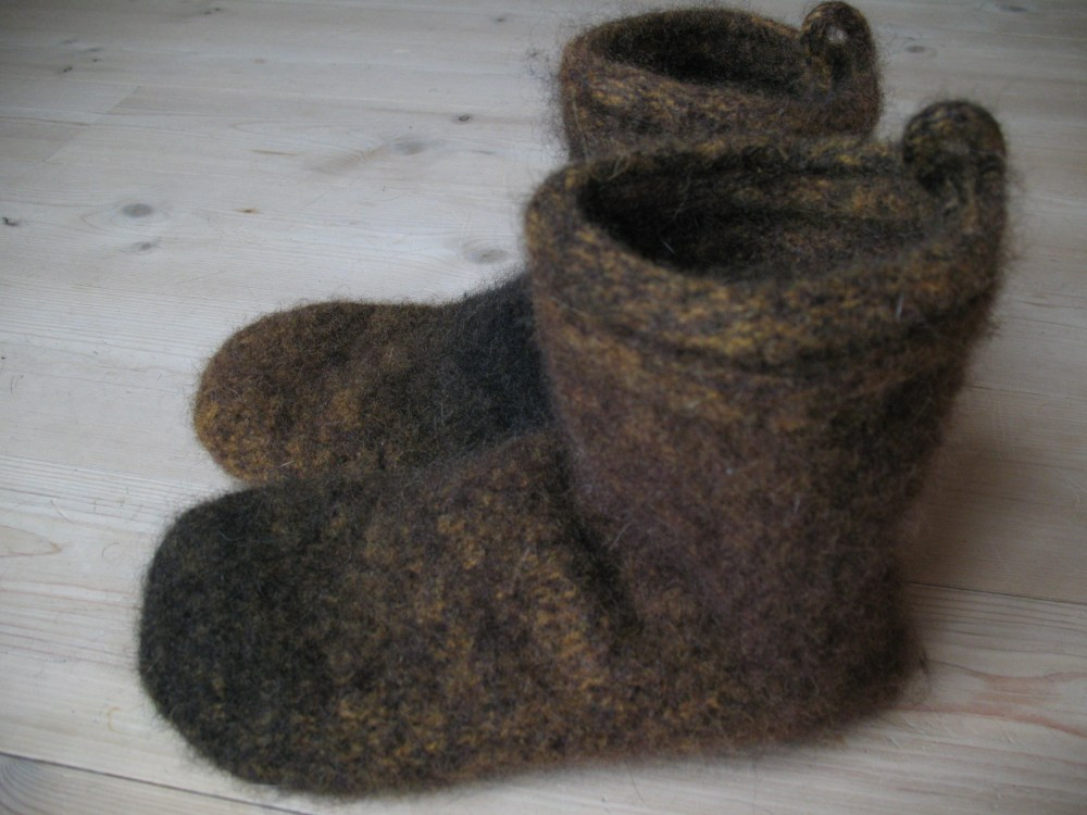 Slippers (1/6)