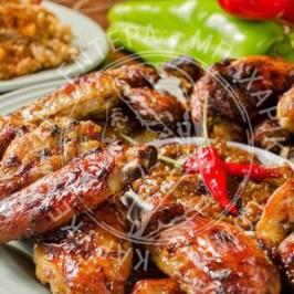 Φτερούγες κοτόπουλου με σπιτική barbeque sauce
