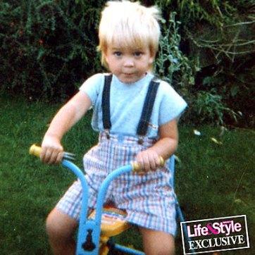 Joli Bébé Mais qui suis-je ?